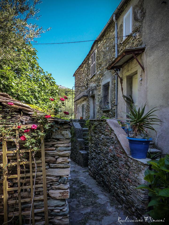 BARISGIONI maison de village